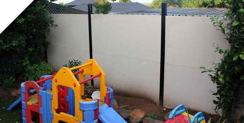 Acoustic wall for back yard in Penrith - The QUICKBUILT Fencing - Modular acoustic barrier fencing system easy and fast to install and cost effective. The QUICKBUILT sound barrier fence system has been designed by our team of builders and tradies with the DIY market in mind.