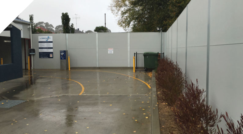 Quick Built Systems was chosen to supply the Acoustic wall panels for a new fence for Yass Car Wash. The Slenderline Acoustic Fencing System was chosen to provide a high acoustic sound barrier to help eliminate any noise the car wash created to the neighbours. It was also chosen for ease of installation making it a quick and cost effective fencing solution.